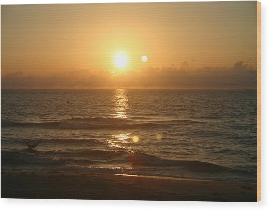 Here Comes The Sun. Wood Print by Dennis Curry