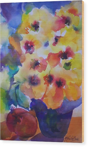Hibiscus In Yellow Wood Print by Therese Fowler-Bailey