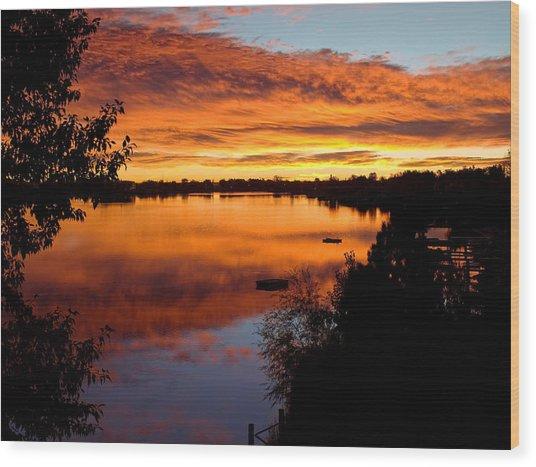 Hidden Lake Sunrise Wood Print by Thomas Lewis