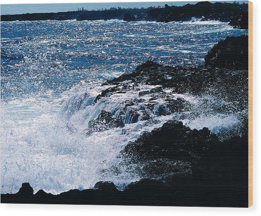 Hilo Coast Waves Wood Print