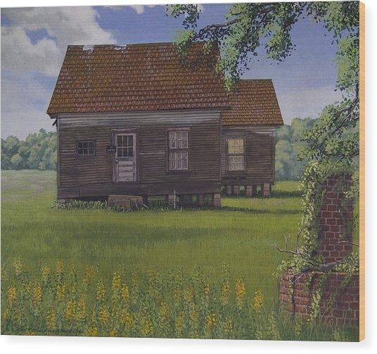 Historical Warrenton Farm House Wood Print by Peter Muzyka