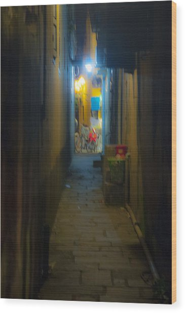 Hoi An Alleyway Wood Print