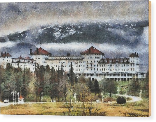 Hotel At Mount Washington Wood Print