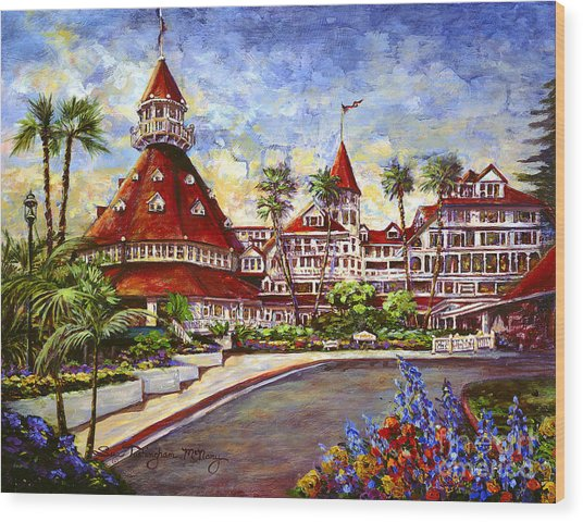Hotel Del With Flowers Wood Print