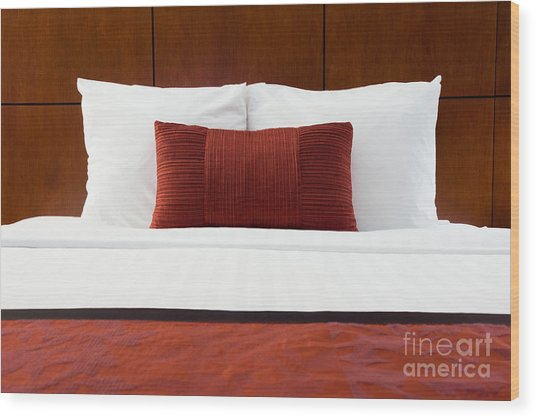 Hotel Room Bed And Pillows Wood Print