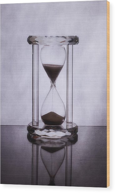 Hourglass - Time Slips Away Wood Print