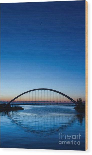 Humber River Dawn Wood Print