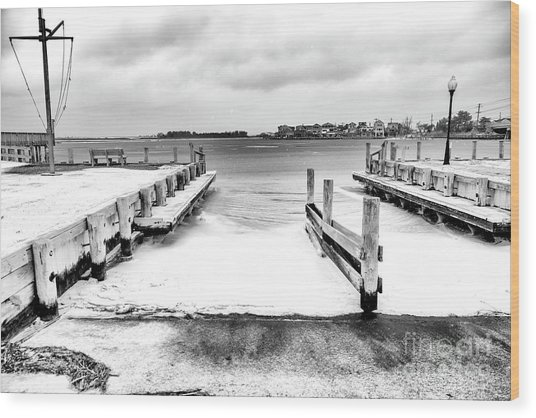 Ice In The Bay At Long Beach Island Wood Print by John Rizzuto