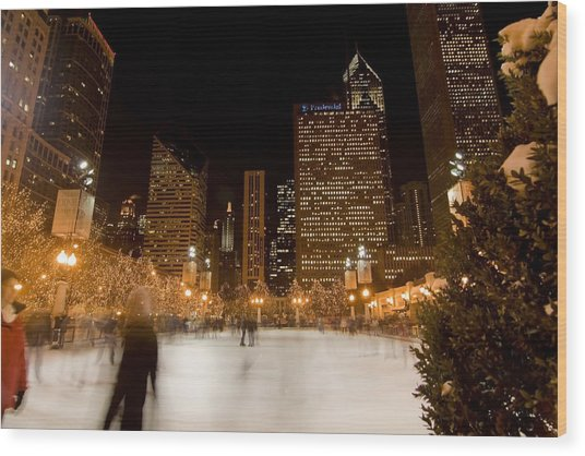 Ice Skaters And Chicago Skyline Wood Print