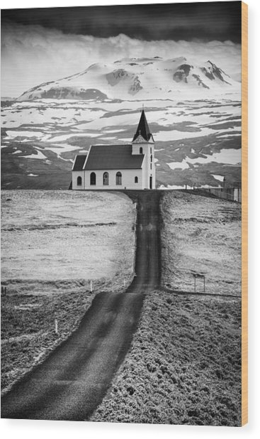 Iceland Ingjaldsholl Church And Mountains Black And White Wood Print