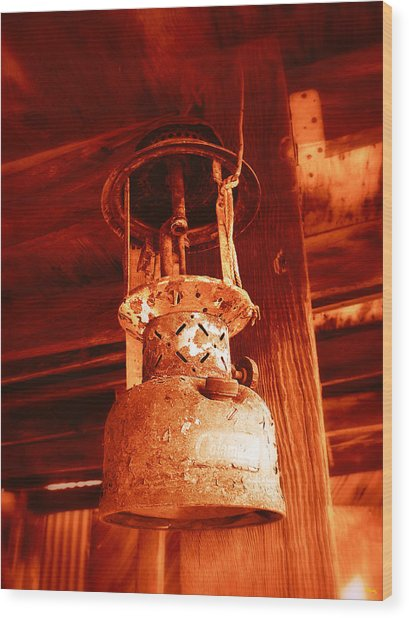 If The Lantern Could Speak Wood Print by Glenn McCarthy