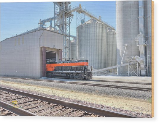 Wood Print featuring the photograph Industrial Switcher 5405 by Jim Thompson