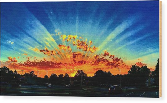 Infinite Rays From An Otherworldly Sunset Wood Print