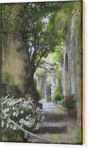 Inviting Courtyard Wood Print