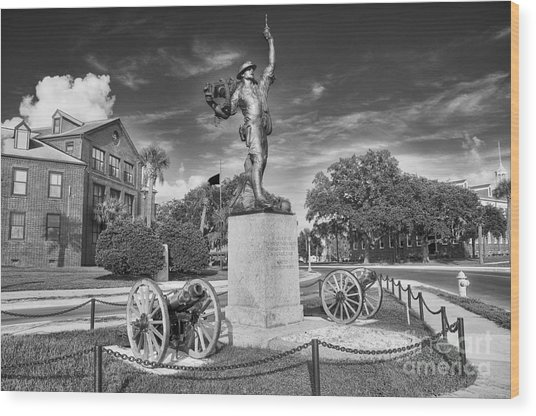 Iron Mke Statue - Parris Island Wood Print
