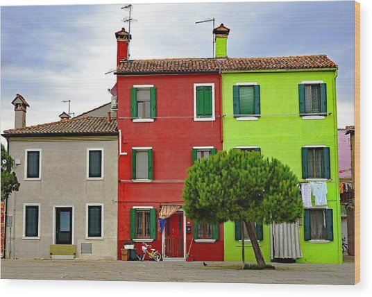 Island Of Burano Tranquility Wood Print