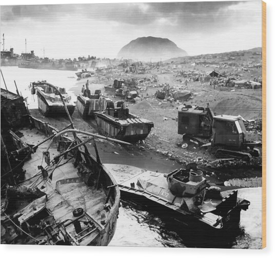 Iwo Jima Beach Wood Print