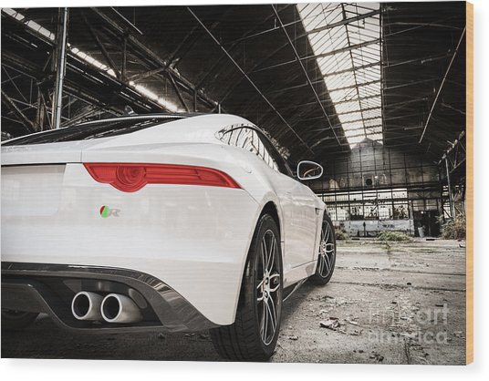 Jaguar F-type - White - Rear Close-up Wood Print