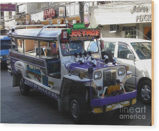 Jeepney 06 Wood Print by Mike Holloway