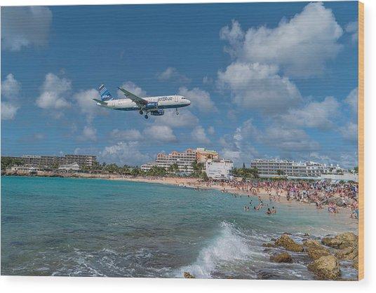 jetBlue at St. Maarten Wood Print