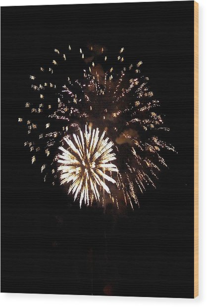 July 4th Fireworks Wood Print by Jeanette Oberholtzer