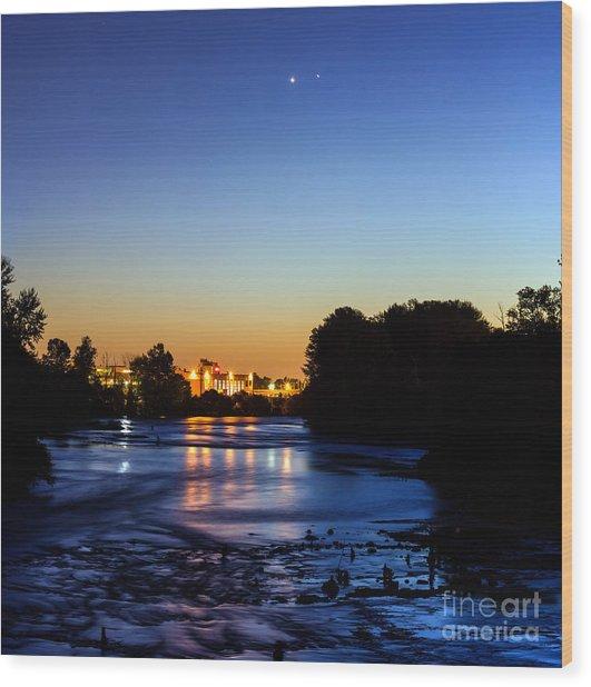 Jupiter And Venus Over The Willamette River In Eugene Oregon Wood Print
