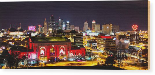 Kansas City Celebrates The Chiefs Wood Print