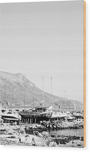 Kavonisi Harbour Wood Print by Gabriela Insuratelu