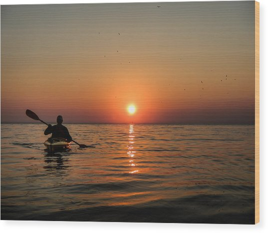 Kayak At Sunset Wood Print