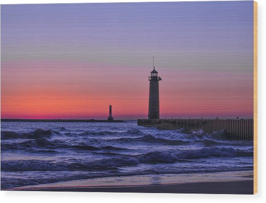 Kenosha Lighthouse Blue Waves Wood Print