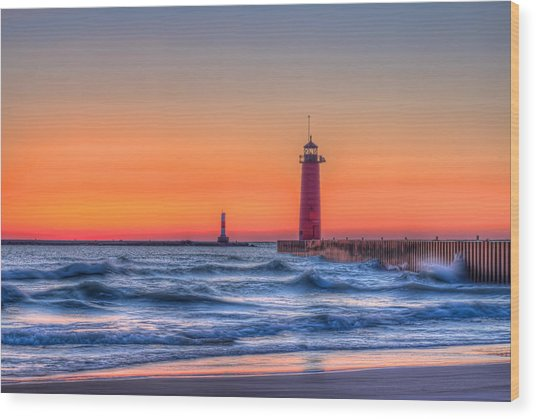 Kenosha Lighthouse Dawn Wood Print