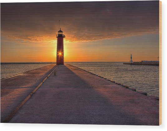 Kenosha Lighthouse Sunrise Wood Print