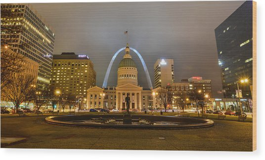 Kiener Plaza And The Gateway Arch Wood Print