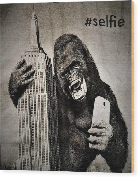 King Kong Selfie Wood Print