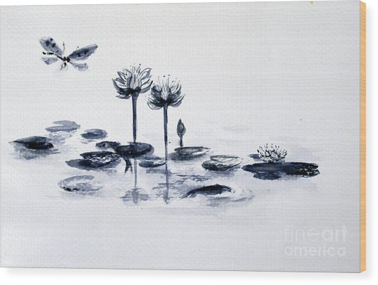 Koi With Waterlilies And Flutterby Wood Print