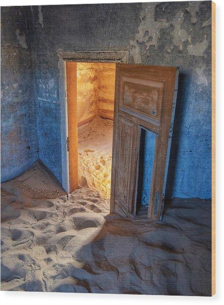 Wood Print featuring the photograph Kolmanskop by Rand