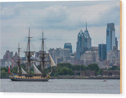 L Hermione Philadelphia Skyline Wood Print
