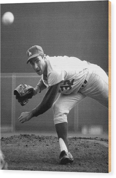 L.a. Dodgers Pitcher Sandy Koufax, 1965 Wood Print