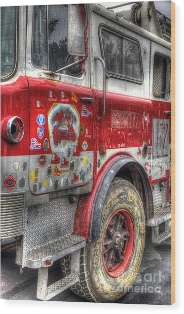Ladder Truck 152 - In Remembrance Of 9-11 Wood Print