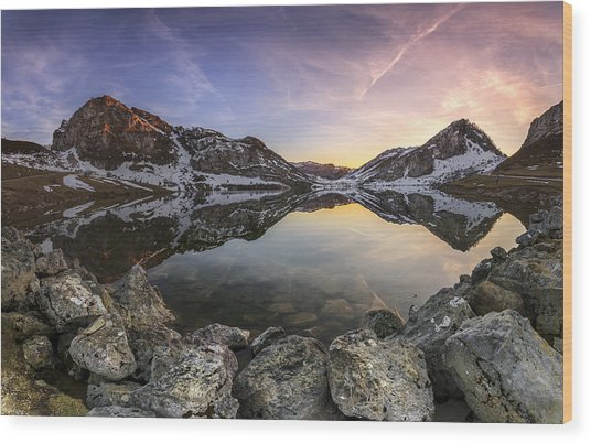 Lago Enol Wood Print