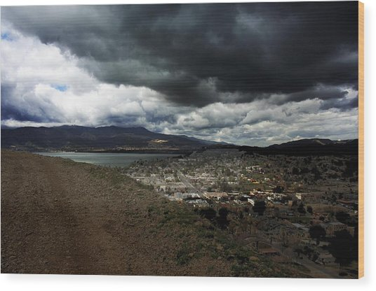 Lake Elsinore Waiting Wood Print by Richard Gordon