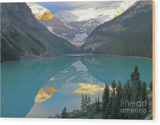 Lake Louise Sunrise Wood Print