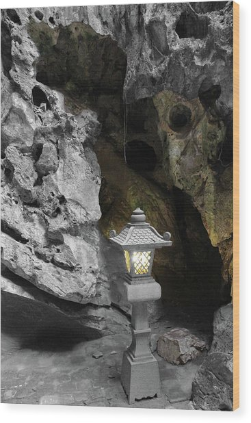 Lamp In Marble Mountain Wood Print