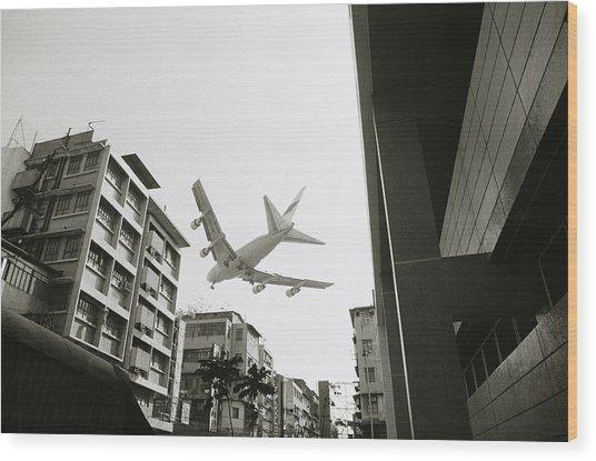 Landing In Hong Kong Wood Print
