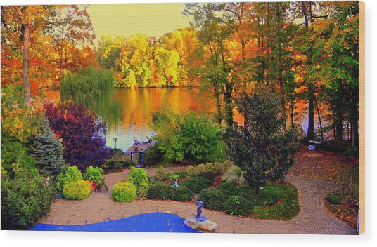 Landscaped Grounds Wood Print