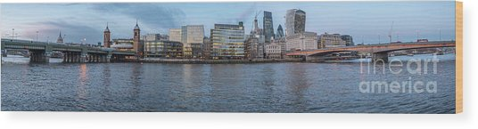 Large Panorama Of Downtown London Betwen The London Bridge And T Wood Print
