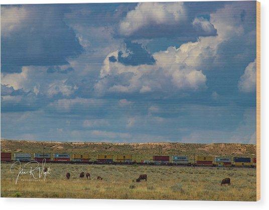 Las Vacas Y El Tren Wood Print by John Vigil