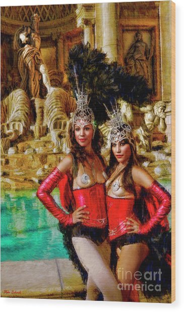 Las Vegas Showgirls Wood Print