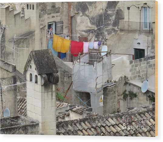 Laundry Day In Matera.italy Wood Print