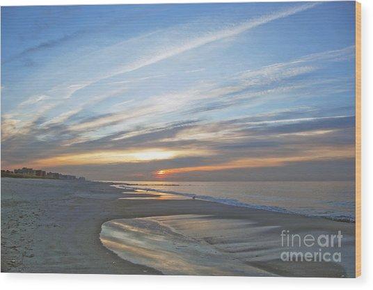 Lb Sunrise Wood Print by Scott Evers